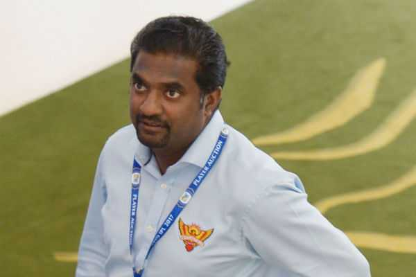 muralitharan-bowls-a-straight-one-little-by-little-test-cricket-will-lose
