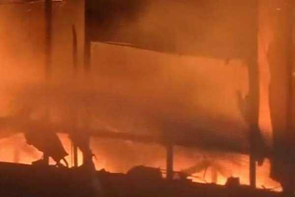 fire-in-hotel-in-delhi