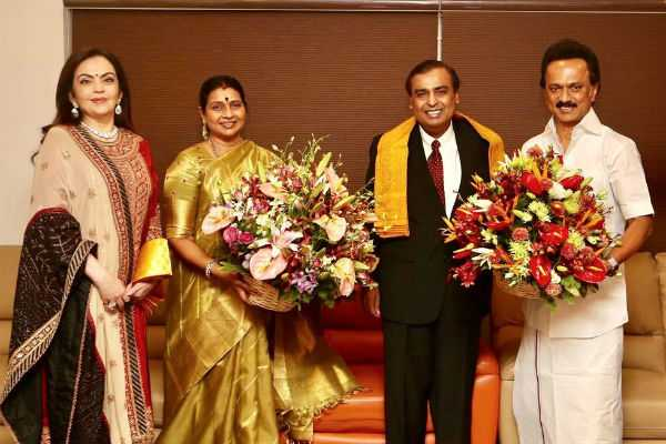 mukesh-ambani-met-m-k-stalin-in-his-house