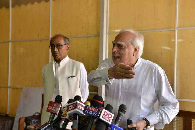 kapil-sibal-takes-two-stands-in-the-rafale-controversy