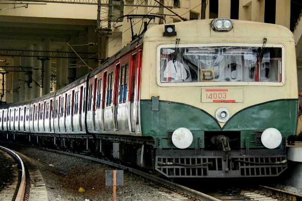 electric-train-transport-suspended-in-thiruvallur-chennai-route