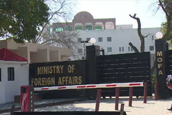 pakistan-foreign-secretary-meets-p-5-envoys-deined-india-s-allegations