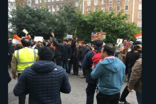kashmir-pulwama-attack-indians-protest-at-london
