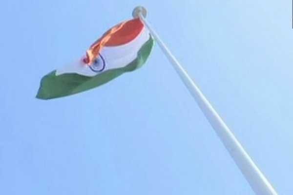 100-feet-high-national-flag-installed-at-the-raipur-railway-station