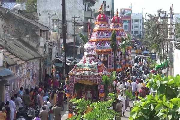 trichy-kasi-viswanathar-temple-maasi-therottam