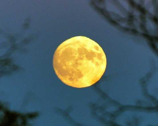 supermoon-2019-s-biggest-and-brightest-will-light-up-the-sky