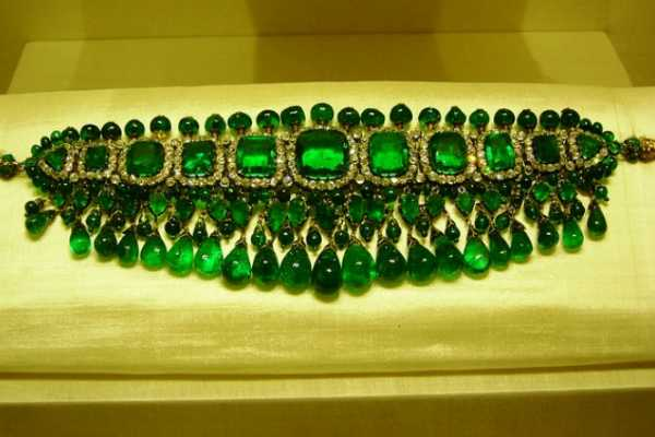 rare-collection-of-hyderabad-nizams-jewels-on-display-at-national-museum