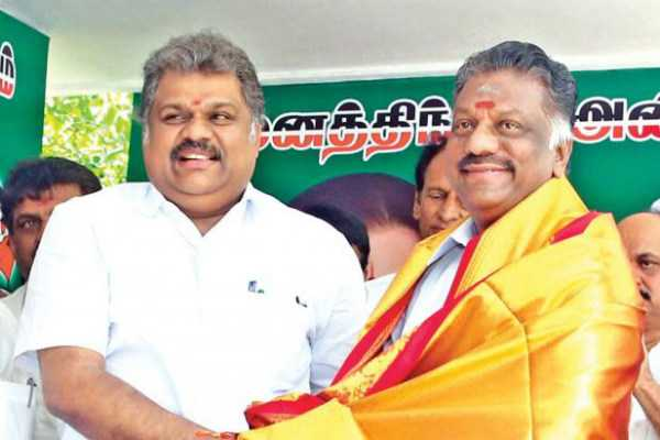 admk-ropes-in-tmc-into-alliance