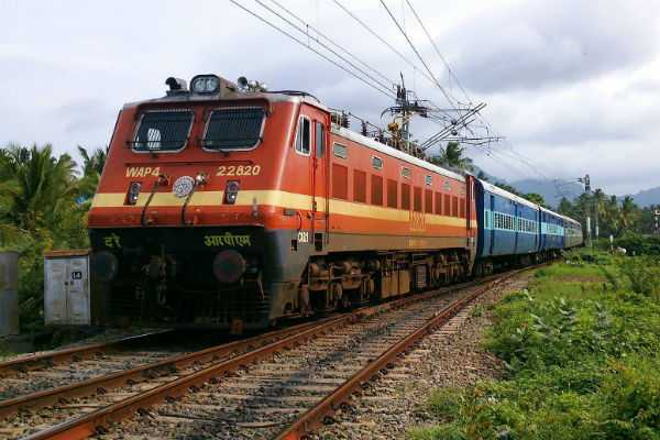 more-than-1-lakh-vacancy-in-railway-department