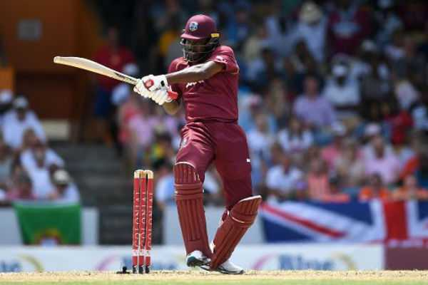 chris-gayle-breaks-shahid-afridi-s-record-for-most-sixes-in-international-cricket