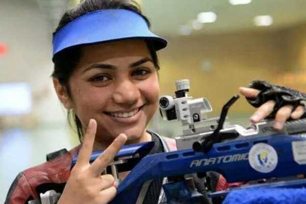 issf-world-cup-apurvi-chandela-wins-gold-in-10m-air-rifle