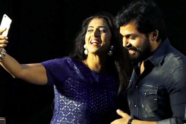 karthi-s-reply-to-kasthuri-on-selfie-controversy