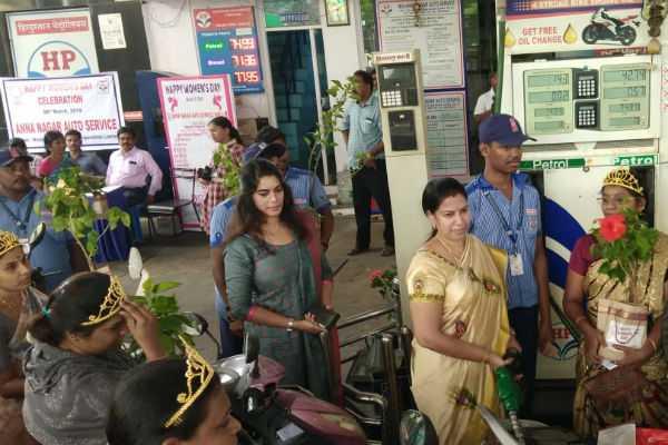 women-s-day-free-petrol-for-women