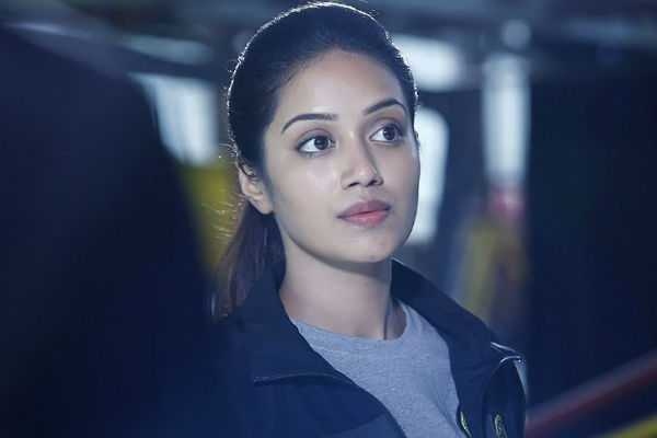 nivetha-to-try-her-luck-in-hollywood