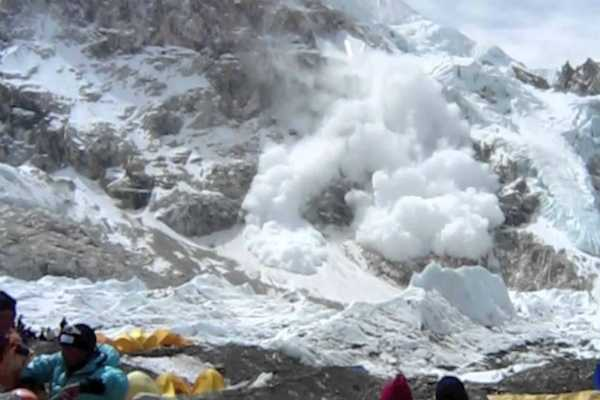 nepal-one-local-guide-dead-one-dutch-trekker-missing-after-an-avalanche-in-manang