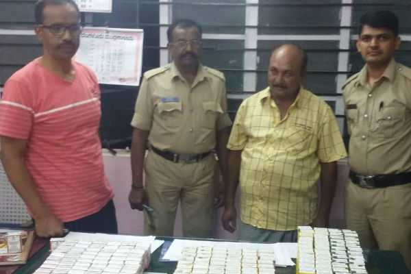 karnataka-illegal-liquor-valued-at-rs-35-21491-seized