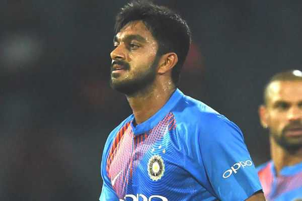 sanjay-manjrekar-advises-vijay-shankar-to-model-his-game-in-virat-kohli-style