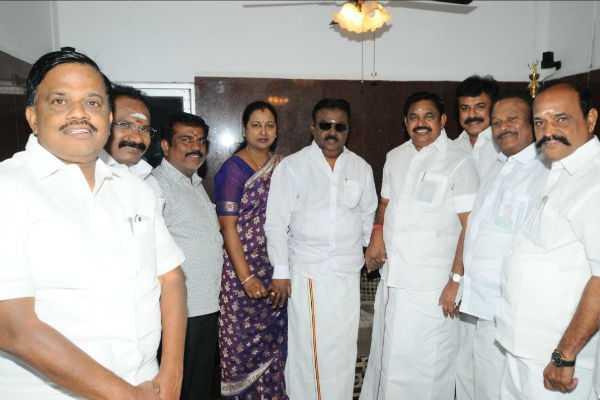 vijayakanth-meets-chief-minister