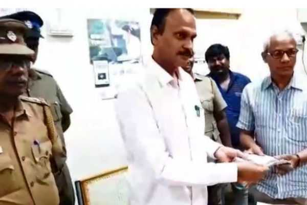 rs-5-lakhs-seized-by-election-flying-squad-in-kovai