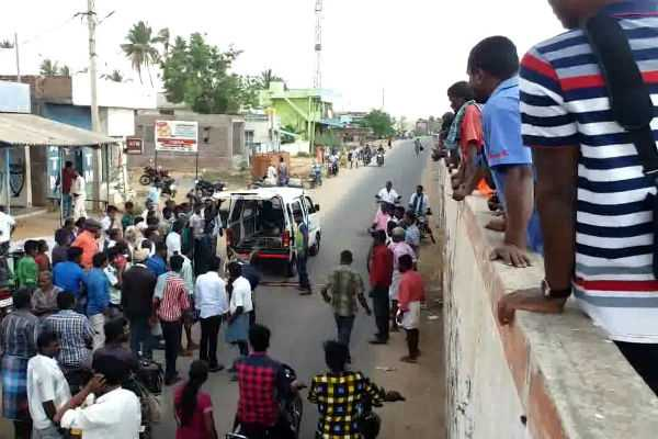 a-man-is-death-on-road-accident