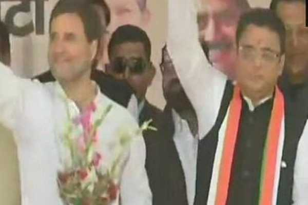 son-joined-hands-with-congress-even-his-father-had-a-bjp-former-cm-in-uttarkand