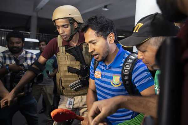 bangladesh-cricket-team-arrives-in-dhaka-after-lucky-escape-in-new-zealand-mosque-shootings