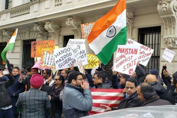 indian-americans-protest-outside-un-headquarters-against-pulwama-attack