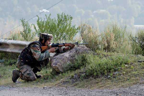 soldier-killed-three-injured-in-pakistani-shelling-along-line-of-control-in-sunderbani-in-jammu-and-kashmir