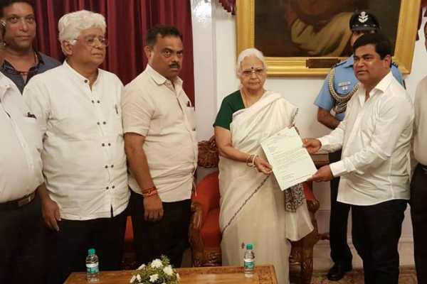 as-bjp-tackles-demanding-goa-allies-congress-meets-governor