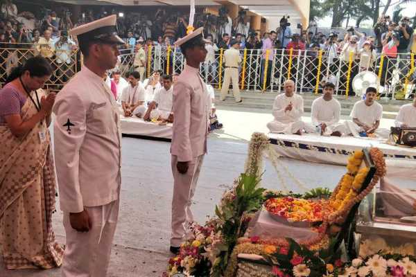 manohar-parrikar-cremated-with-full-state-honours-at-panaji
