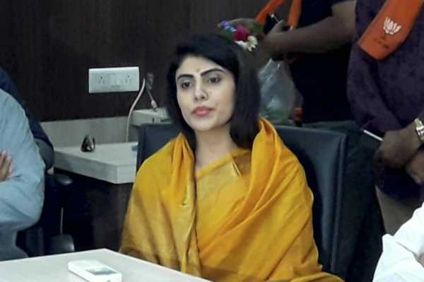cricketer-ravindra-jadeja-s-wife-rivaba-eyes-bjp-ticket-from-gujarat-s-jamnagar