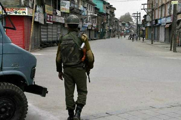 violence-in-srinagar-school-teacher-dies-in-police-custody