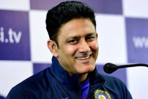 virat-kohli-is-a-more-comfortable-india-captain-with-ms-dhoni-around-says-anil-kumble