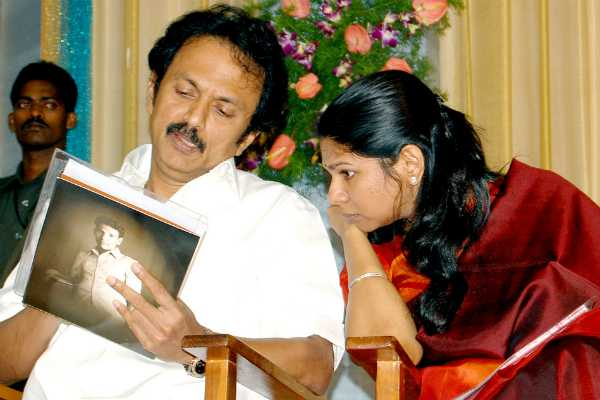 dmk-explained-about-parliament-seats-given-to-leader-s-son-daughters