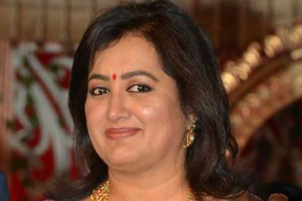 actress-sumalatha-contesting-election-from-mandya