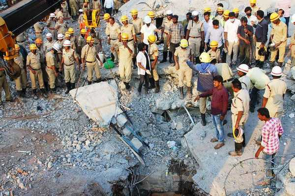 dharwad-building-collapse-toll-rises-to-11-rescue-operation-still-underway