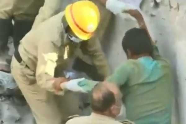 karnataka-man-pulled-out-after-62-hours-under-rubble-see-miracle-rescue