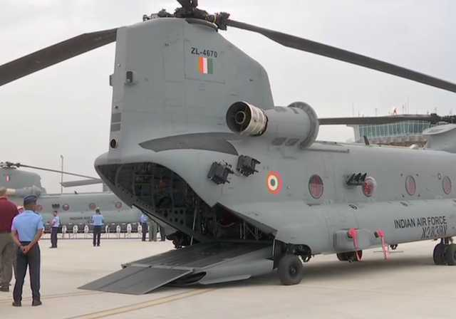 indian-air-force-to-induct-the-first-unit-of-four-chinook-helicopters-today