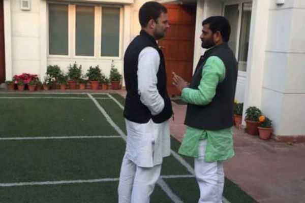 congress-leaders-son-contesting-against-rahul-gandhi-in-amethi