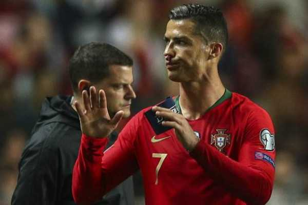 ronaldo-forced-to-quit-match-due-to-injury