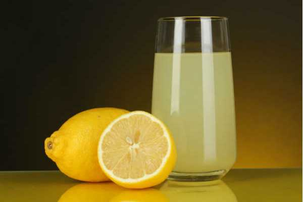 lemon-juice-that-cools-the-body-and-cools-the-heat