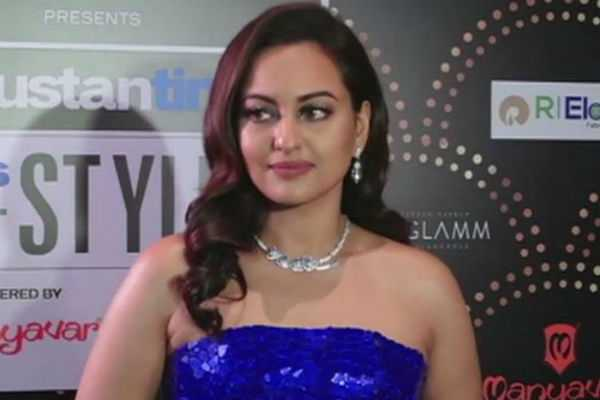 it-s-too-late-sonakshi-on-chatruhan-s-decision-to-join-congress