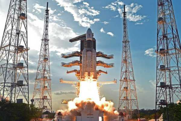 first-time-see-rocket-launch-people-isro