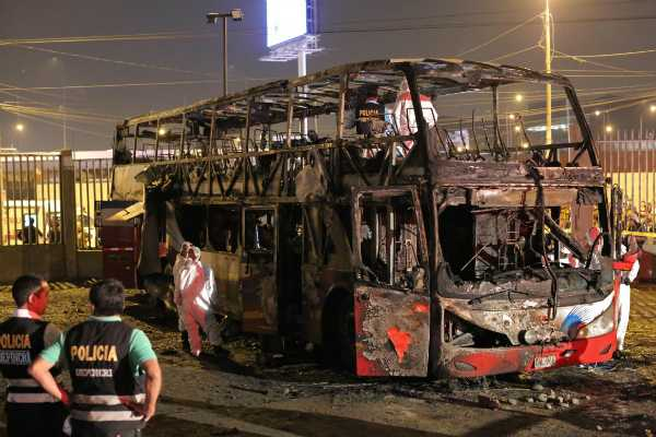 at-least-20-killed-after-bus-in-peru-catches-fire