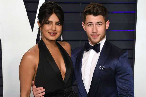 priyanka-chopra-is-going-to-file-a-case-against-the-magazine-that-rights-about-her-personal-life
