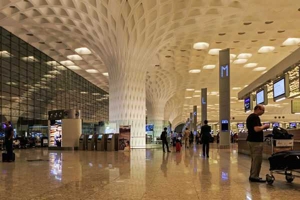 rs-11-lakhs-worth-gold-seized-at-mumbai-airport