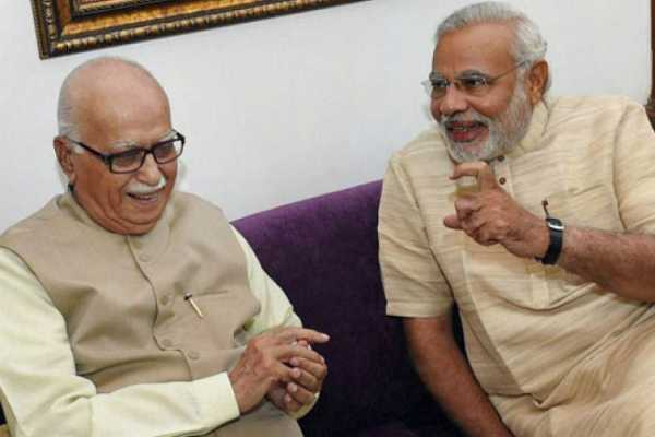 perfectly-sums-up-true-essence-of-bjp-tweets-pm-modi-on-lk-advani-blog