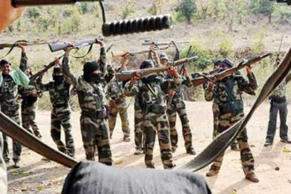 chhattisgarh-34-naxals-surrendered-before-the-police-in-sukma