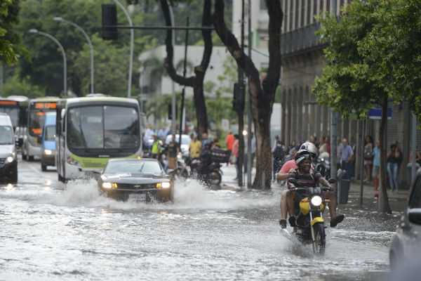 abnormal-rains-lash-rio-de-janeiro-at-least-9-dead