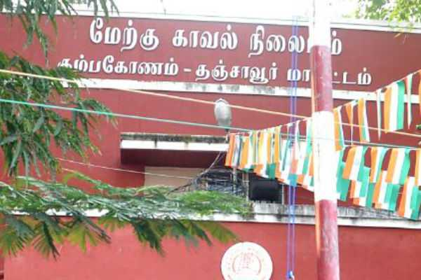 the-aiadmk-administrators-attacked-the-ammk-administratior